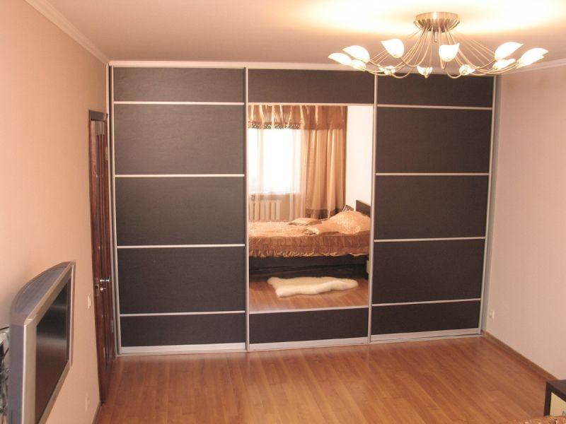 Встроенный шкаф VS-05